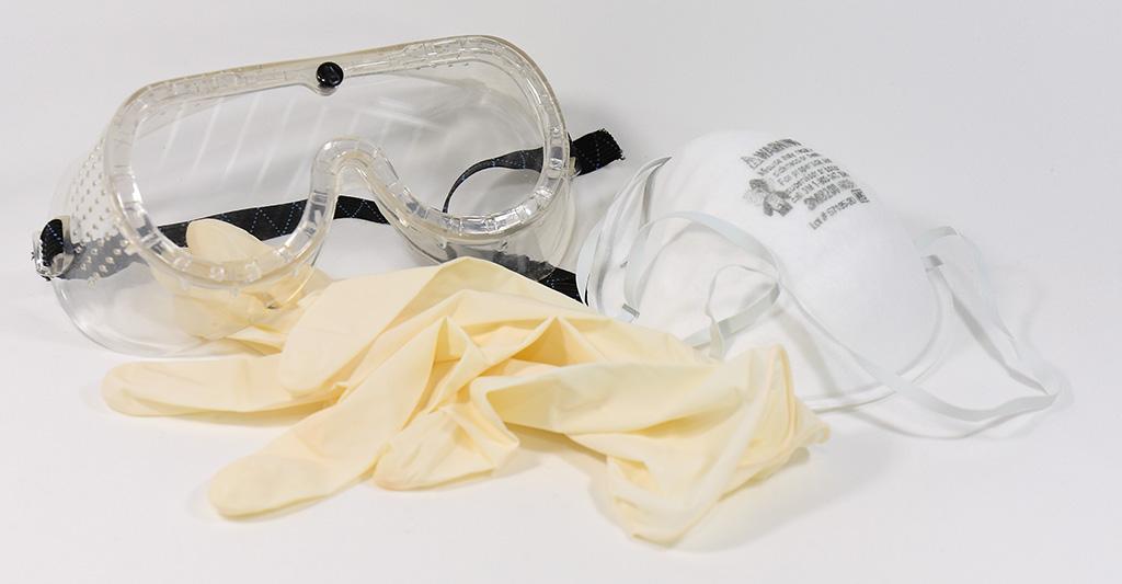 ゴーグル、マスク、ゴム手袋